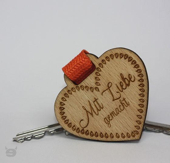 Schlüsselanhänger Holz Herz einzigartig * Mit Liebe gemacht *